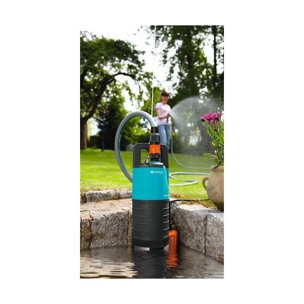 pompe immerg e de puits gardena 5500 3 pour l 39 arrosage du jardin. Black Bedroom Furniture Sets. Home Design Ideas